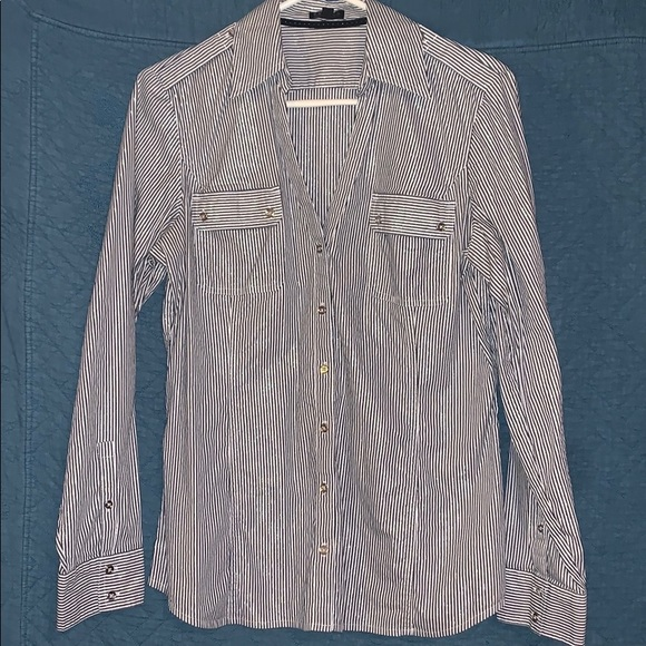 Express Tops - Express collared button down top